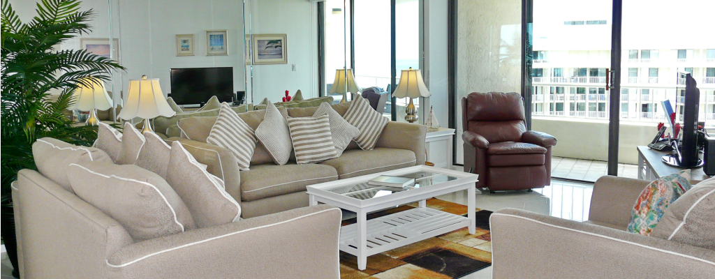 Living Room Overlooking Crescent Beach and Gulf Waters