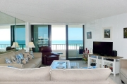 <h5>Living Area</h5><p>Overlooking Crescent Beach and the Gulf waters.</p>