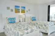 <h5>Guest Bedroom</h5><p>Overlooking Crescent Beach</p>